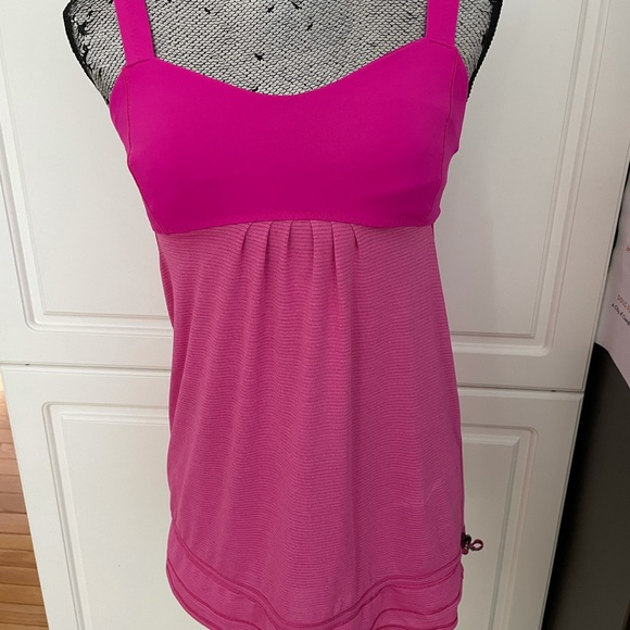 LuLu Athletic Top with built in sports bra